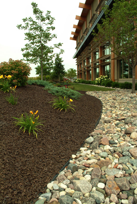 Brown Rubber Mulch Commercial Landscaping